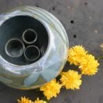Vase pique-fleur